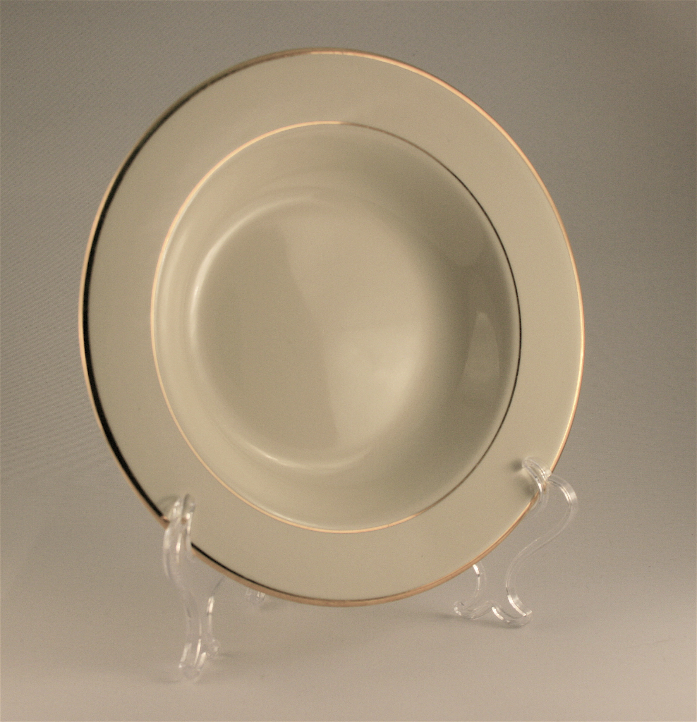 Rimmed Soup Bowl (Ivory and Gold) & Rimmed Soup Bowl (Ivory and Gold) - Alleen Company Catalog