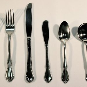 Oneida Silverware Set